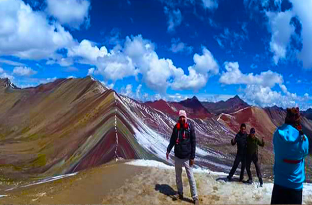 rainbow mountain tour peru.